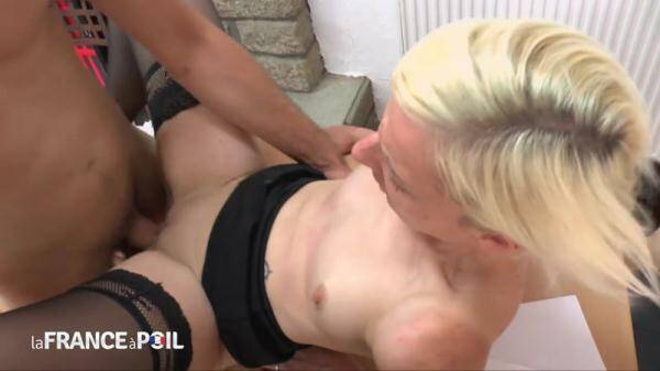 Rimming and anal fucking for a naughty blonde teacher cougar (Nudeinfrance.com) [HD, 720p]