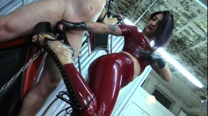 CybillTroy: Just the Tip (SD/404p/501 MB) 18.02.2016