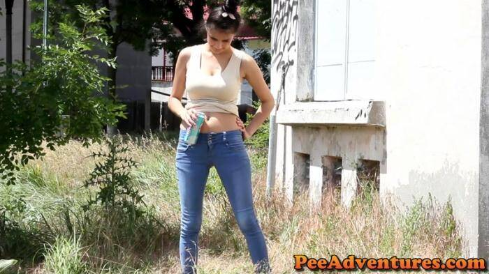 Blocked bladder [FullHD, 1080p] - PeeAdventures.com