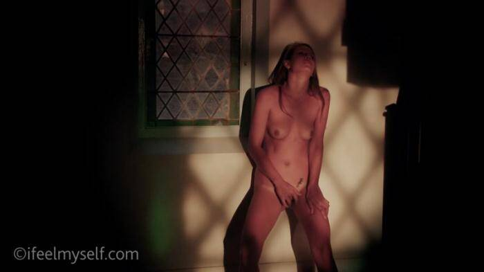 02-01-2016 - Alexia LaRo - Catholic Thrill [HD, 720p] - IFeelMyself.com