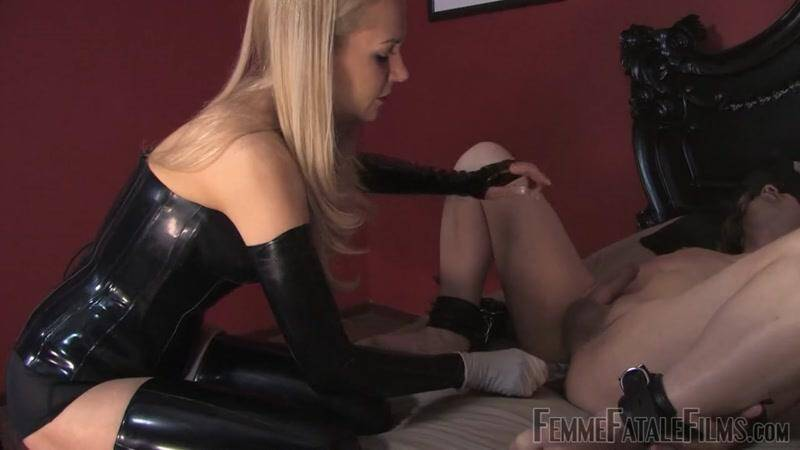 FFF: Anal Play Time [HD] (196 MB)