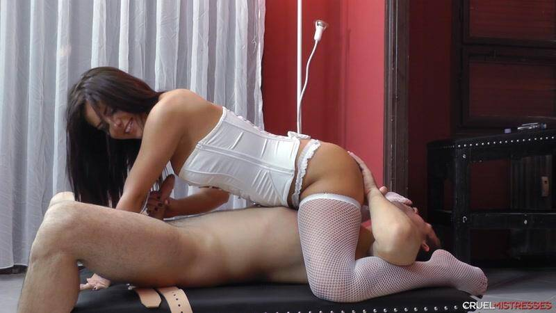Cruel-mistresses.com: New white clothes - Handjob for Slave! [FullHD] (551 MB)