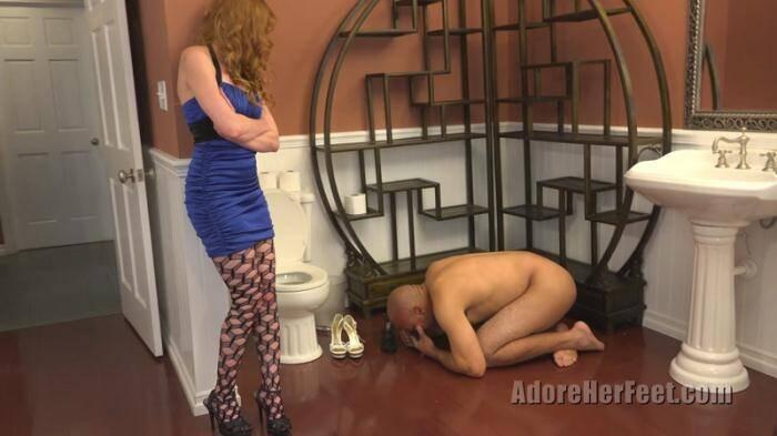 AdoreHerFeet.com - Mistress Marie - Which One Smells Better? (Femdom) [4K UHD, 2160p]