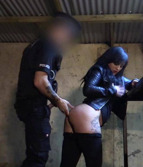 False Cop - Lottie [Masked Robber Fucked By Fake Copper] (FullHD 1080p)