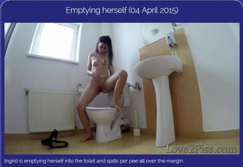 Emptying herself [FullHD, 1080p] [Love2piss.com] - Pissing