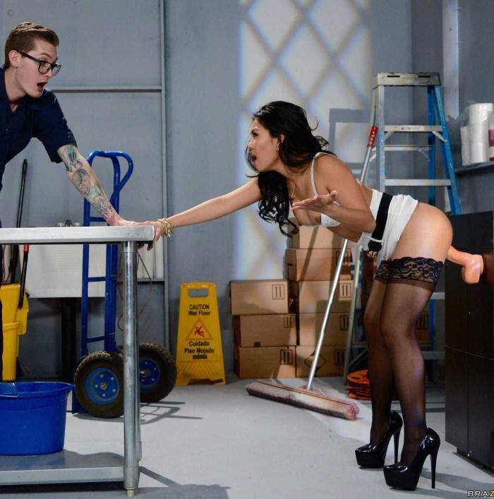 Tits Work - Cindy Starfall - The Janitors Closet II  [HD 720p]