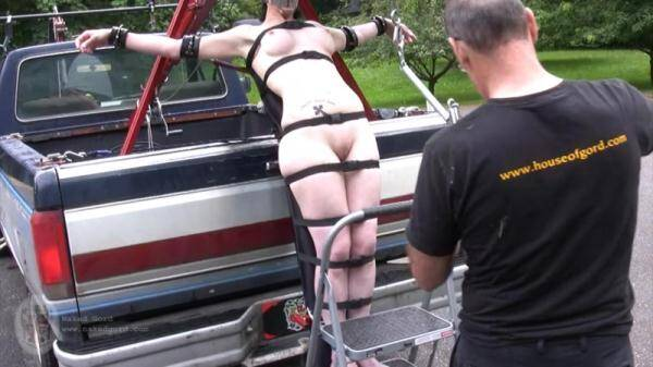 Tied to the truck (Nakedgord.com) [HD, 720p]