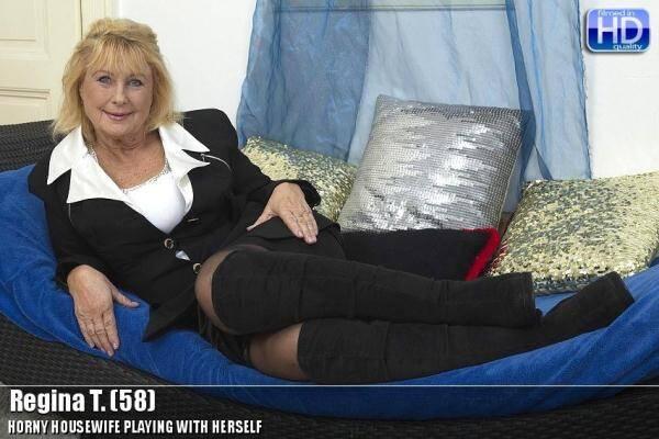 Regina T. (58) - Horny Housewife Masturbation (Mature.nl) [SD, 540p]