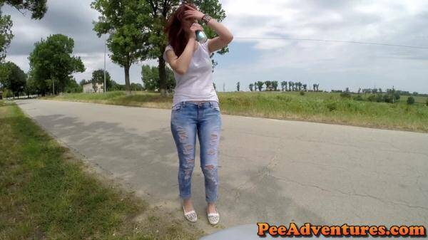 Desperate to pee in her jeans (PeeAdventures.com) [FullHD, 1080p]