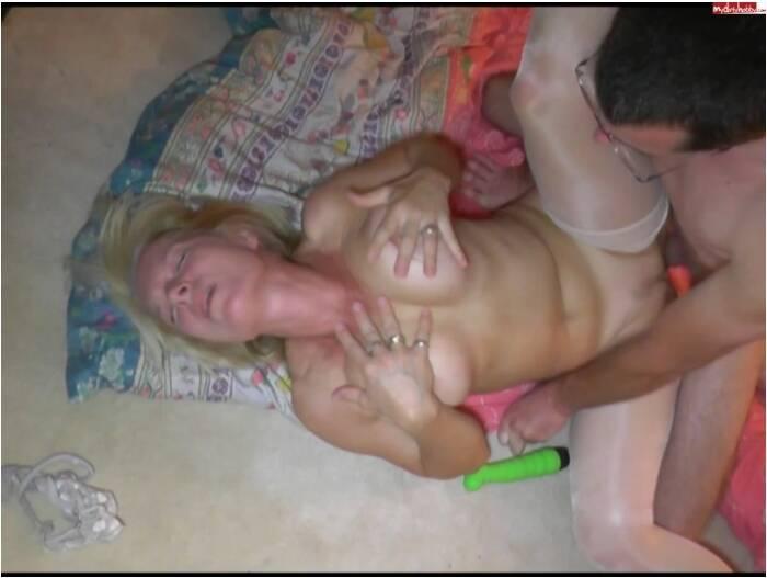 Crazy Dirty Sex: KissiKissi - Arschfick mit Dildo in der Fotze AO  [FullHD 1080] (157 MB)
