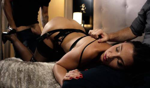 My Docile Wife Banged By Strangers - Julie Sky (SiteRip/DorcelClub/FullHD1080p)