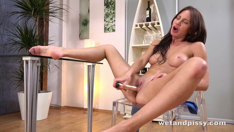 WP: Shy Lana! Lana Ray! [HD] (443 MB)
