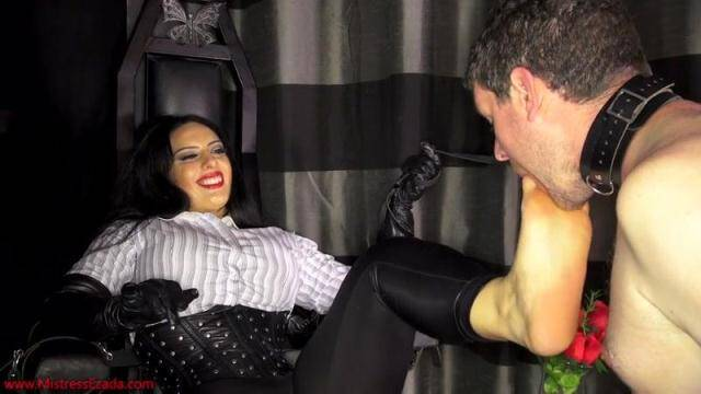 MistressEzada.com - Mistress Ezada Sinn - Stinky socks and sweaty feet licker [HD, 720p]
