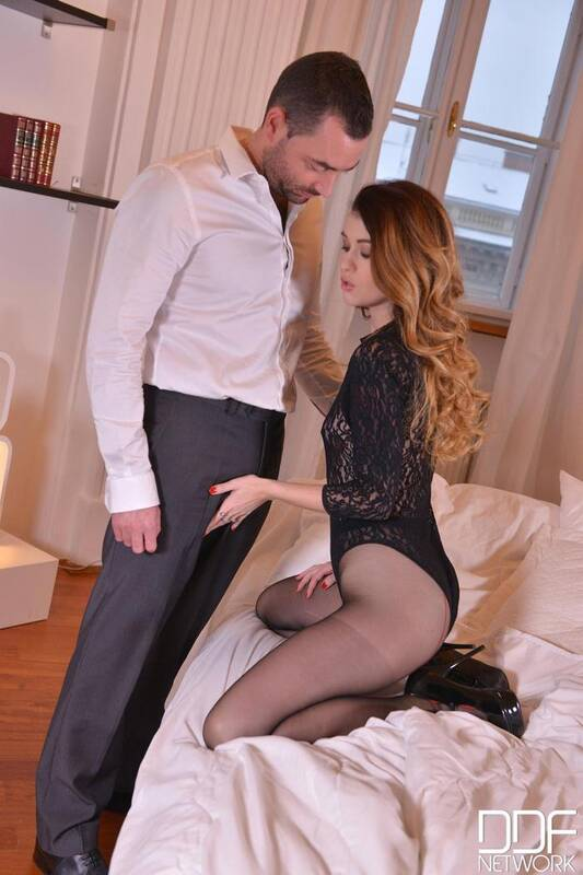 Legs Feet - Misha Cross - Light Skin Vs. Black Shoes - Leg Fetish Boyfriend Enjoys Foot Sucking  [FullHD 1080p]
