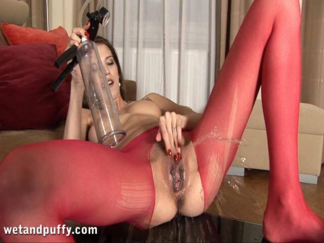 WP - Silvie - Crazy Pee Masturbate! [FullHD, 1080p]