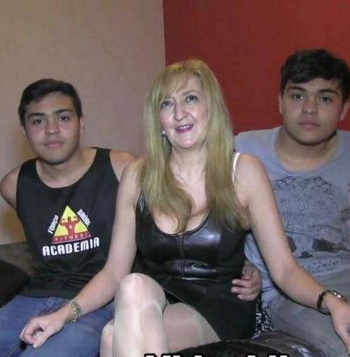 F@King - PornoGemelos,Bruno y Maria [Desvirgo a dos gemelos de 18 anos recien cumplidos como debe ser: juntos y con una madura que sabe lo que hace.] (HD 720p)