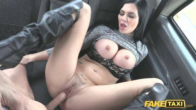 Sex in Taxi - Jasmine Jae - Revenge fuck for hot MILF [SD, 480p]