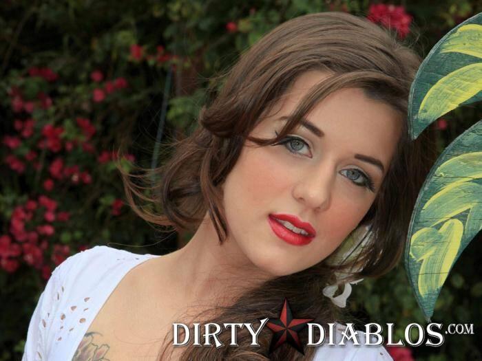 DirtyDiablos.com/DiablosInkd.com - Hayley Hanes - Hookah Smoking  [FullHD 1080p]