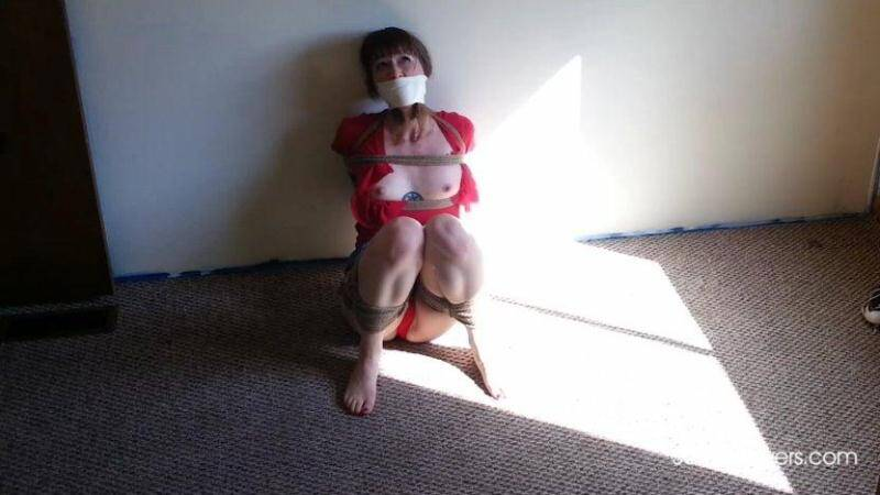 SandraSilvers.com: Sandra Silvers, Ruth Cassidy, AJ Marion, Lisa Harlotte - Hard Tied Milf [FullHD] (1.72 GB)