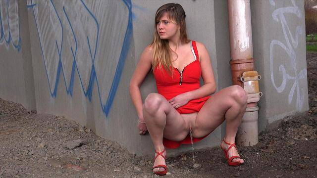 G2P - Lady in red piss outdoor! [FullHD, 1080p]