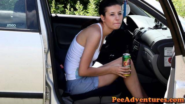 PeeAdventures.com - Drinking beer and desperate to pee [FullHD, 1080p]