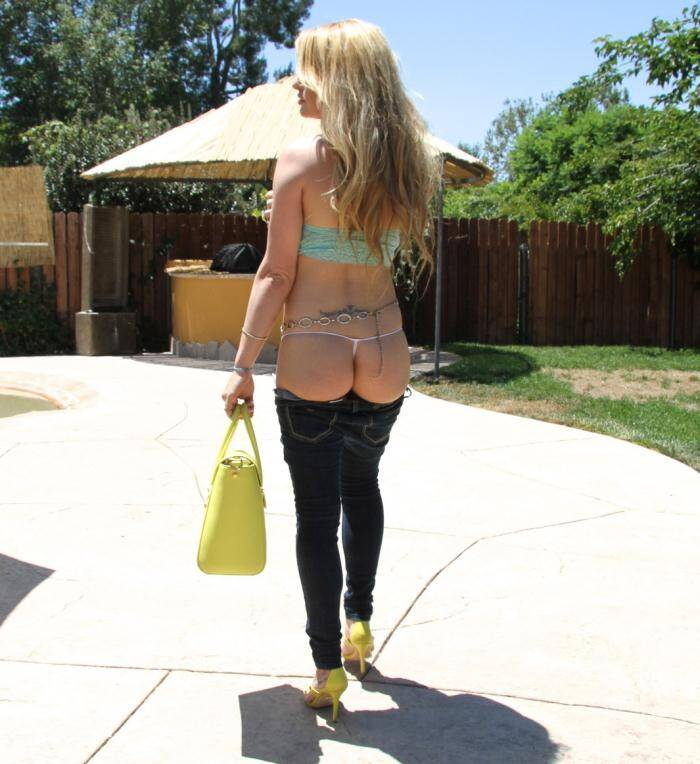 BigTits Asses - Corinna Blake - Big Tit Corinna Blake Takes A Pounding  [SD 480p]