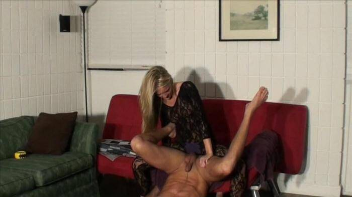 Adorable Kelly Fucks Him with a Strap On [SD, 540p] - Clips4sale.com