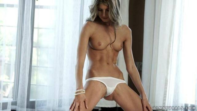21Naturals.com - Doris Ivy Skinny Sweety! Masturbation Skinny Pussy! [FullHD, 1080p]