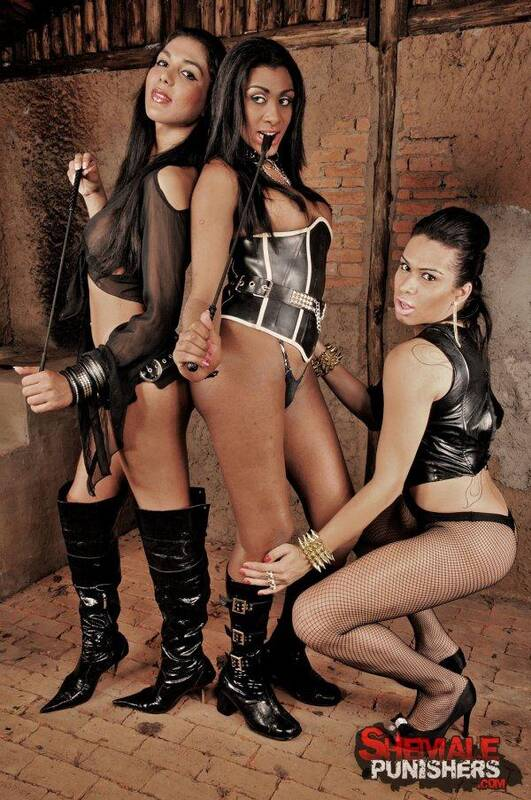 ShemalePunishers.com/TrannyPack.com - Agatha Trajano, Daphynne Duarth, Yasmin Andrade - Extreme Shemale Domination Action [HD, 720p]