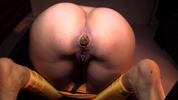 Extreme Scat - Mistress Diana Toilet Pov on Webcam! [FullHD 1080p]