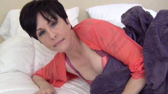 Clips4Sale - Sick Mommy [HD, 720p]