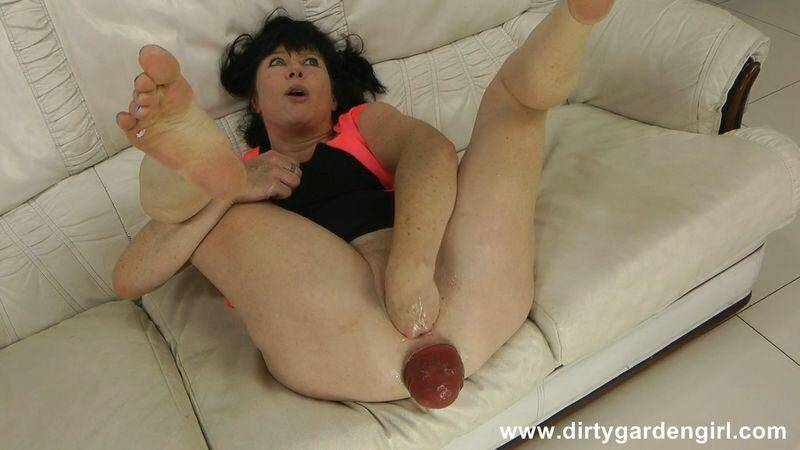 Self fist on white sofa & prolapse fingering [HD] - DirtyGardenGirl