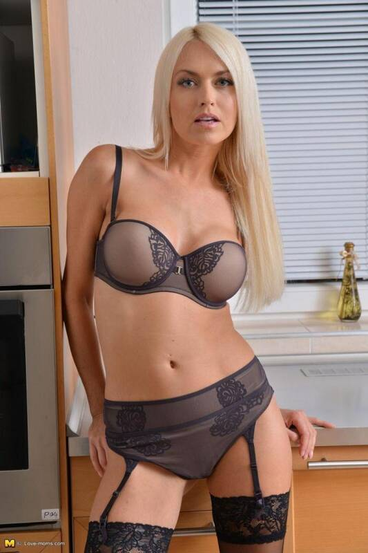 Lena Love (33) - [Mature.nl, Love-moms] 540p