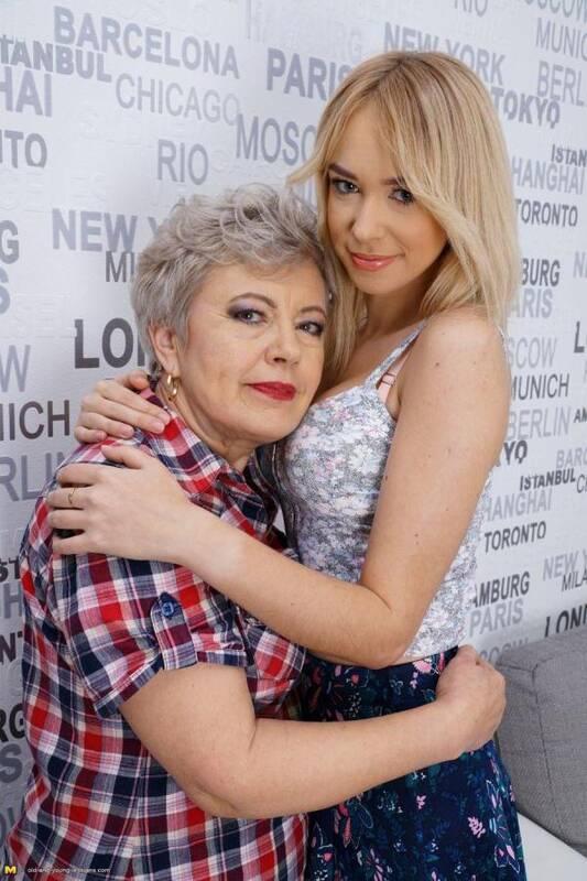 Mature.nl/old-and-young-lesbians.com: Klaudia D. (57), Kelsi (21) - Two Crazy Lesbians (2016/SD)