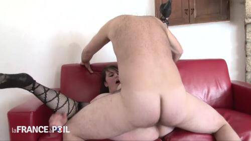LaFRANCEaPoil.com/NudeInFRANCE.com [BBW young 22 yo brunette double teamed and fisted] HD, 720p)