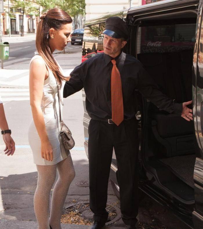 Fuck3d1nTr4ff1c.com/P0rnD03Pr3m1um.com - Alicia Wild - Brunette slut Alicia Wild giving BJ to her driver  [FullHD 1080p]