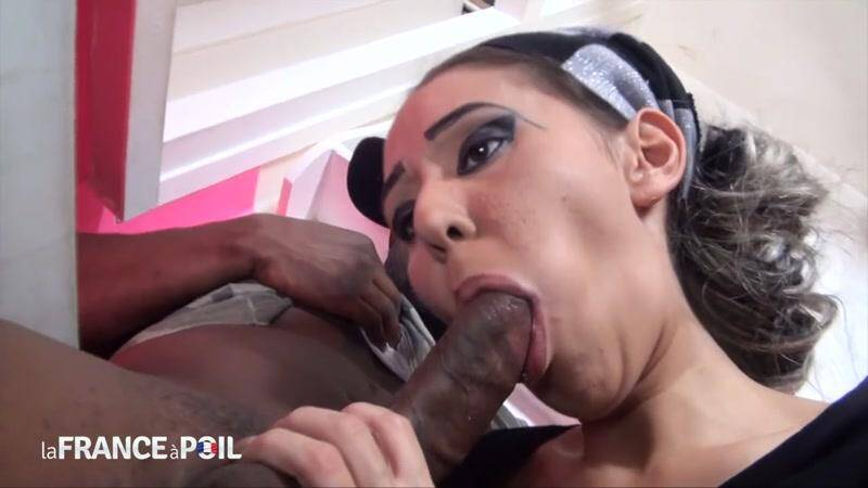 LaFRANCEaPoil.com/NudeInFRANCE.com: A pretty arab slut from Paris tastes a big black cock! [HD] (457 MB)