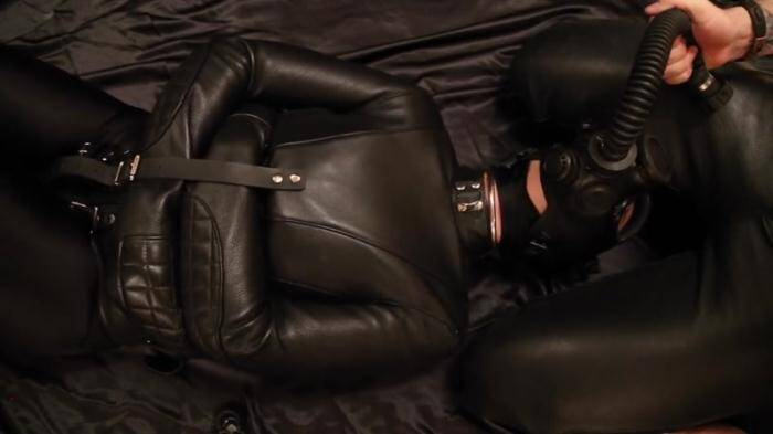 ReflectiveDesire.com - Breath play in a straitjacket and gasmask (Latex, Rubber) [HD, 720p]
