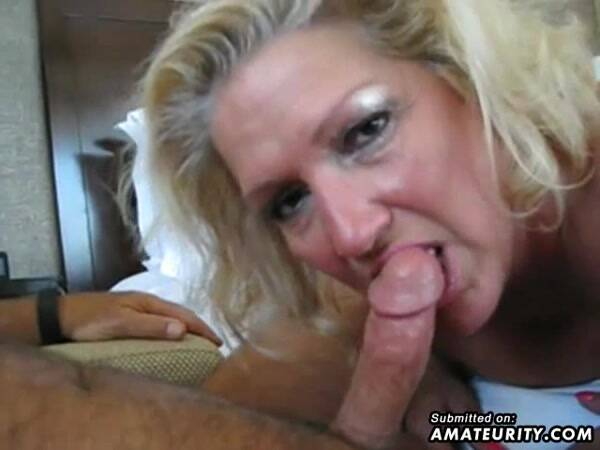 Amateurity.com - Amateur girlfriend at the gloryhole (Amateur) [SD, 480p]