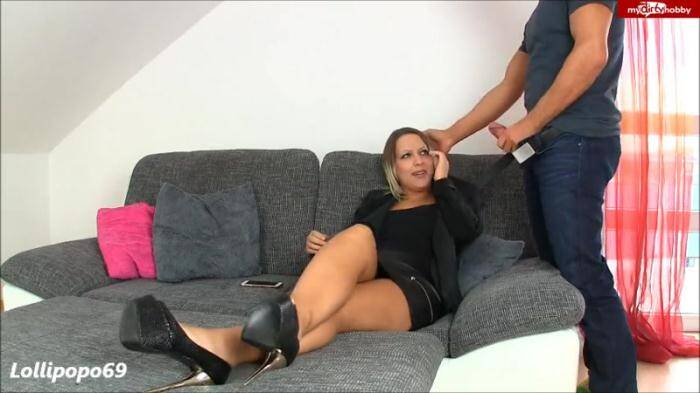 �razy Dirty Sex - Vor der Party Nerd entjungfert (Amateur) [SD, 480p]