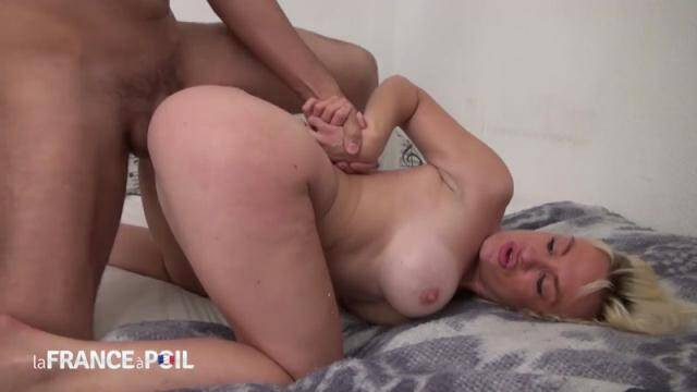LaFRANCEaPoil, NudeInFRANCE - Horny big titted blonde cougar gets her ass pounded and creamed by her handyman [HD, 720p]