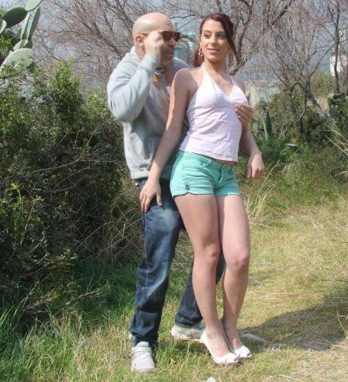 Chicas and Loca - Yarisa Duran [Spanish cunt Yarisa Duran jumping up and down on hard cock] (SD 480p)