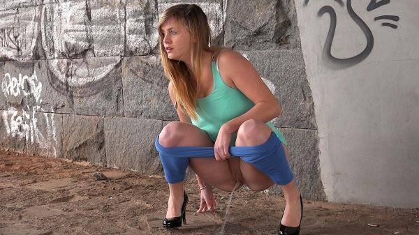 Teen Girl - Blue Leggings Waterfall (FullHD 1080p)