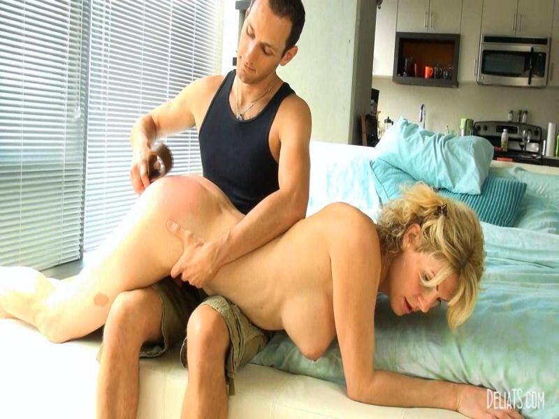 DeliaTS.com: Delia and James Maverick: Delia Pisses Off James [FullHD] (605 MB)