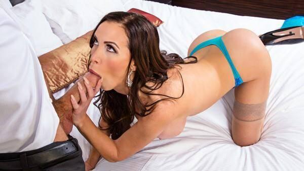 Girlfriend: Nikki Benz - Blowjob with Fucking [SD] (798 MB)