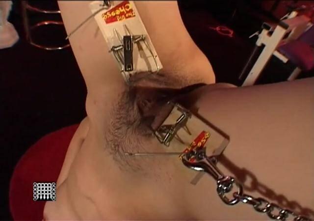 Master Keith Movies - Masters Suspended oriental slavegirl [HD, 720p]