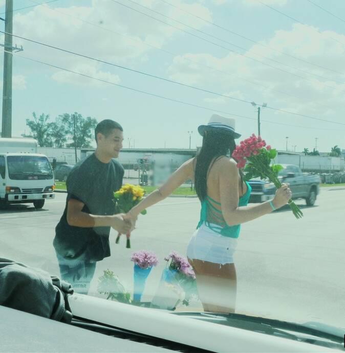 BBus - Rachel Starr - Rachel Starr Fucks a Florist  [HD 720p]
