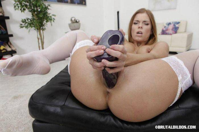 CHRISSY FOX - HARD ASS MASTURBATION [SD, 360p] - BrutalDildos.com