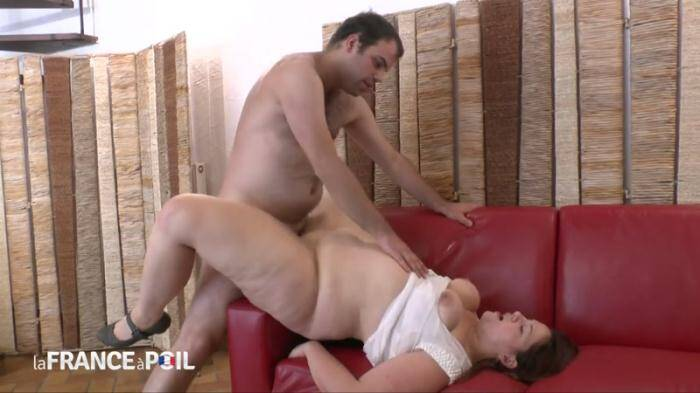 LaFRANCEaPoil.com/NudeInFRANCE.com - BBW Claire, 31 years old, gets her ass pounded - MILF (French) [HD, 720p]