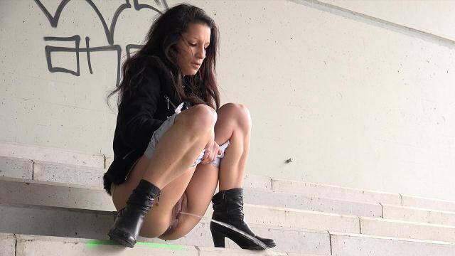 G2P - Teen Girl - White Steps [FullHD, 1080p]